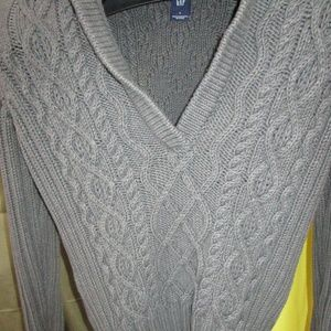 Gap Gray Sweater with V neck collar